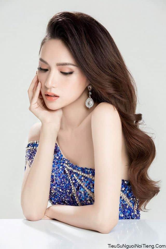 Tiểu sử hoa hậu Hương Giang